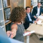 Jak zdobyć umiejętności komunikacyjne w coachingu?